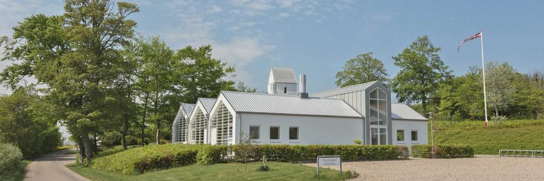 072e8ff8a475 » Kirkehus ved Humlum kirke